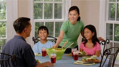 How parents can prepare kids for healthier relationships
